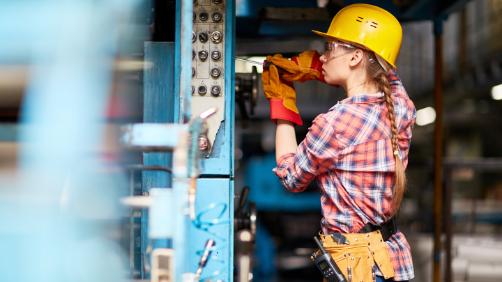 Improve Technician Efficiency and Productivity with Service Parts Management