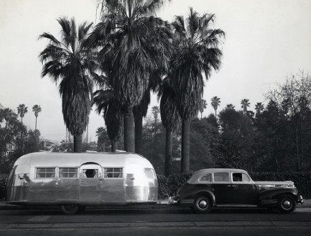 Retro Vintage Caravan - cover