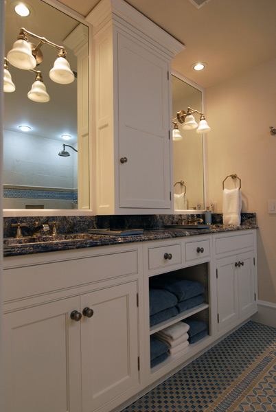 Bathroom remodeling chicago jack and jill design ideas for Jack and jill bathroom with hall access