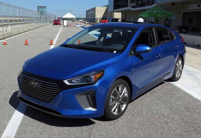 First Look: 2017 Hyundai Ioniq Hybrid