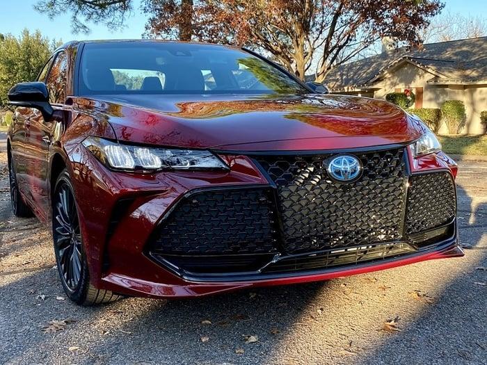 2021 Toyota Avalon XSE Hybrid Review