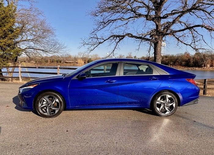 2021 Hyundai Elantra SEL Review