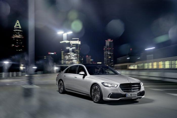 Best-Selling Large Luxury Sedans Year-to-Date