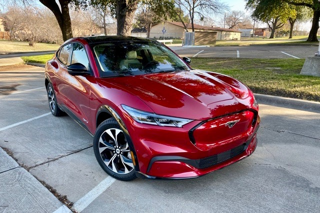 Report: Electric Vehicle Sales Growing Rapidly