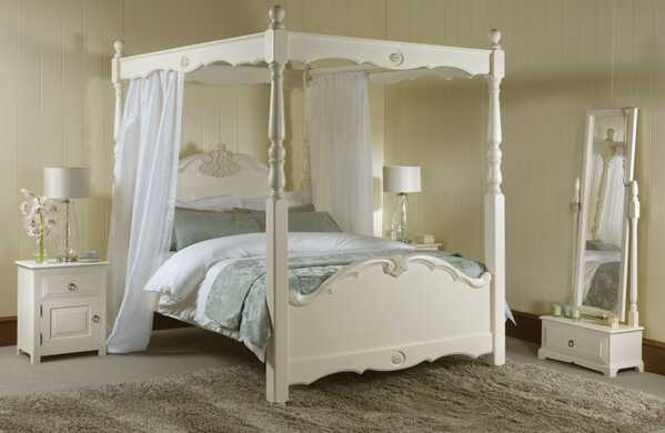 Orleans-Four-Poster-Bed-1