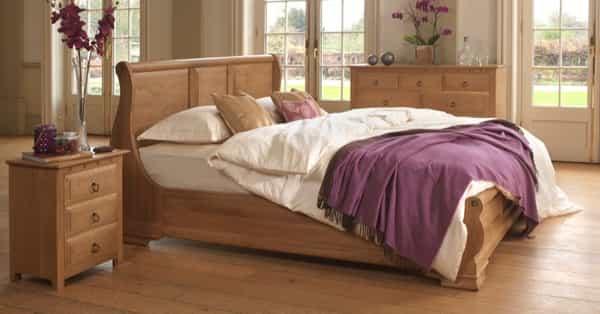 Monaco-Sleigh-Bed-in-Solid-Oak