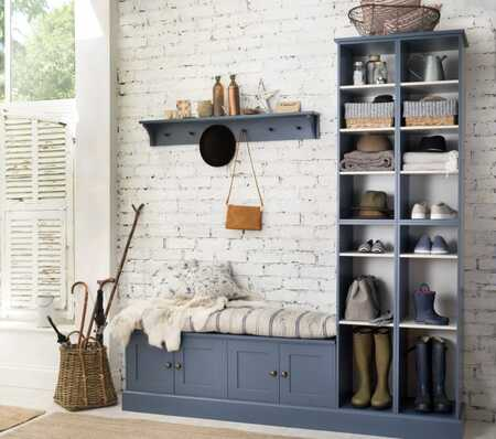 simple boot room