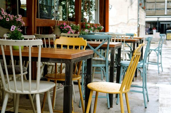 restaurant reopening outdoors