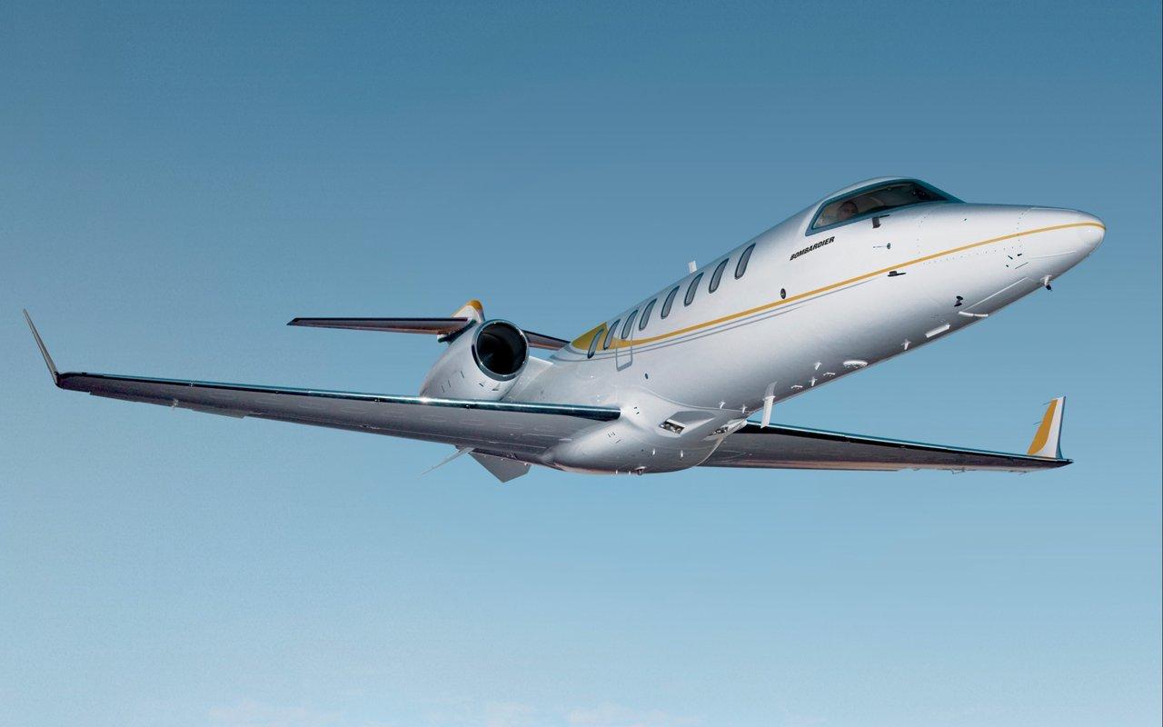 Popular corporate jet - bombardier lear jet 75