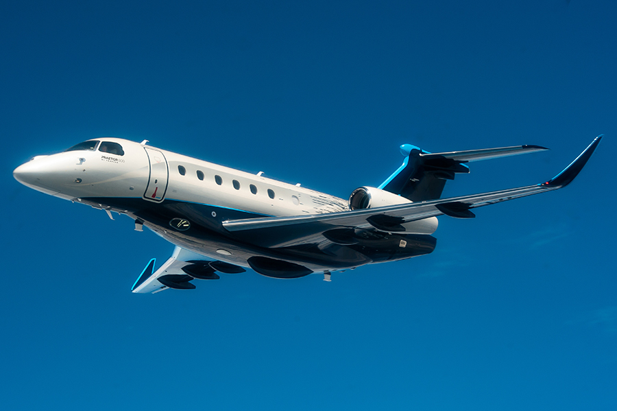 Praetor 600 - Exterior Flight Blue
