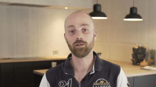 VIDEO : rencontrez notre conseiller Hugues