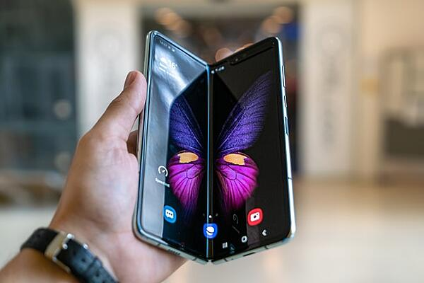 Five Tips: Developing Apps for Foldable Displays
