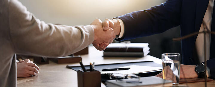 WHO TO HIRE TO SOLVE YOUR TAX PROBLEM? 3 THINGS TO LOOK FOR