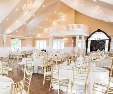 Selected as a 'Top Wedding Venue' in Mesa, AZ by WeddingRule.com: Lindsay Grove by Wedgewood Weddings