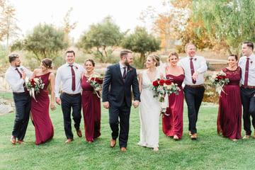 16 Fun Wedding Party Photo Ideas