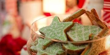 Cheer-Filled Holiday Wedding Dessert Ideas