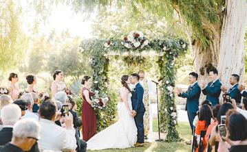 The Ultimate Guide to Outdoor Weddings