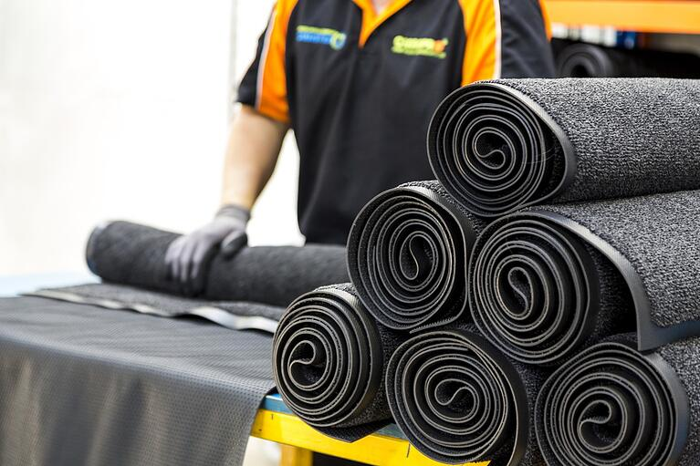 Types of Industrial Floor Mats and Their Benefits