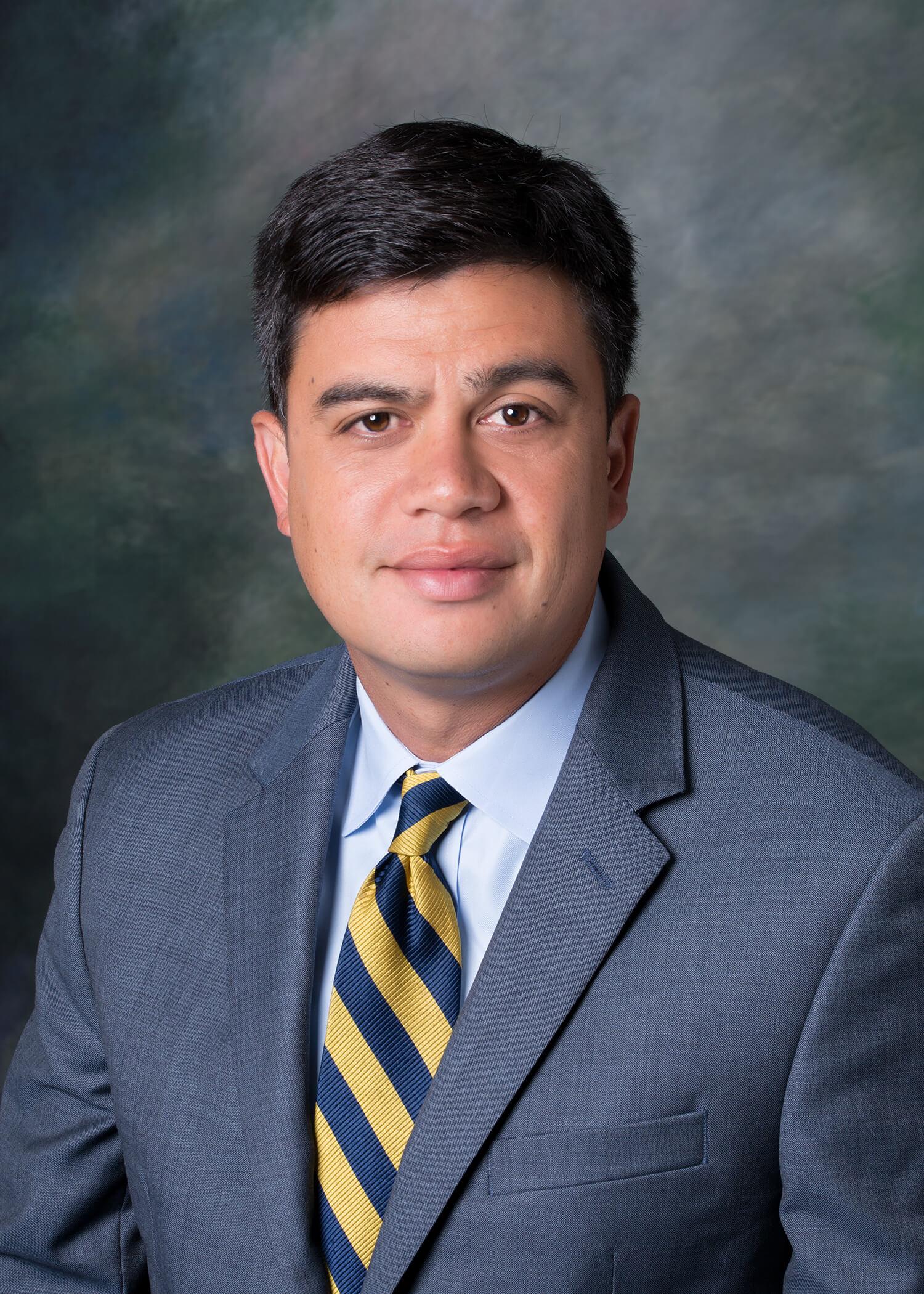 Zachery Groves 2020-Domestic Partner and Senior Litigator
