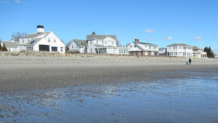 6 Benefits of Building a Home on the Seacoast