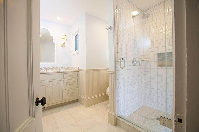 Bathroom Remodeling Tricks That Make Getting Ready Easier